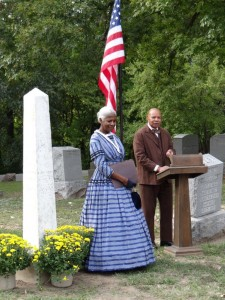 Patricia and Robert Davis (portraying Jameson Jenkins) at t he rededication of the Jenkins gravestone at Oak Ridge Cemetery, Sept. 30, 2012 (Donna Catlin)