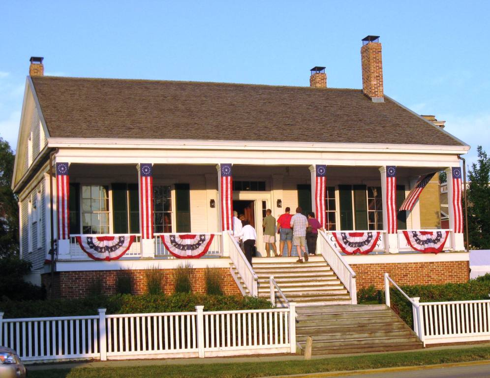 The Iles House decorated for Independence Day 2013 (SCHS photo)