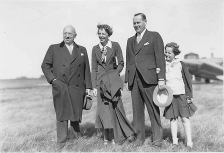 Gov. Henry Horner, Amelia Earhart, Howard Knotts and Knotts' daughter Cissy at Springfield's Municipal Airport in 1934 (Sangamon Valley Collection)