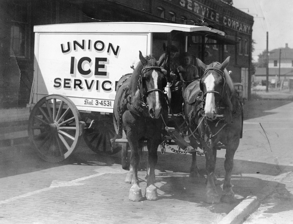 An ice delivery wagon, about 1928. Union Ice was on Klein Street between Mason and Jefferson streets. (Sangamon Valley Collection)
