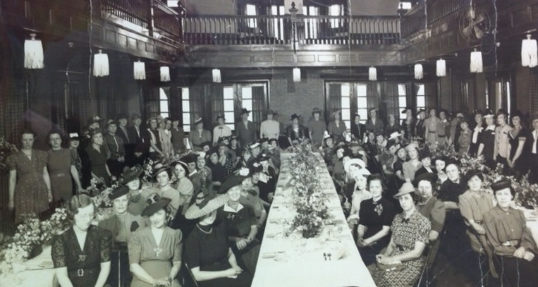 Springfield Ceramics and Crafts Club's 25th anniversary luncheon, held at the Washington Park Pavilion in 1939 (SCCC photo)