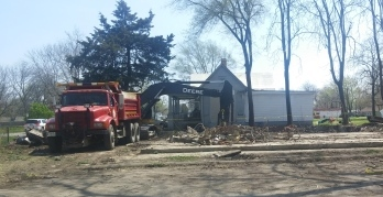 Demolition nearly finished of Lauterbach Cottage Hardware, April 2018 (photo courtesy Liz Rutherford)
