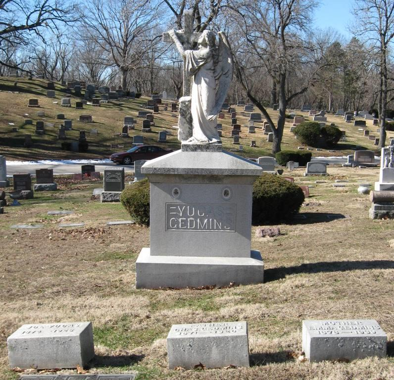 The Yucas/Gedmins monument and headstones, Calvary Cemetery (SCHS)