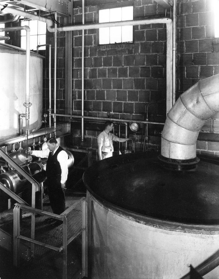 Springfield Brewing Co. vats. (Courtesy Reisch Brew Crew via Sangamon Valley Collection)