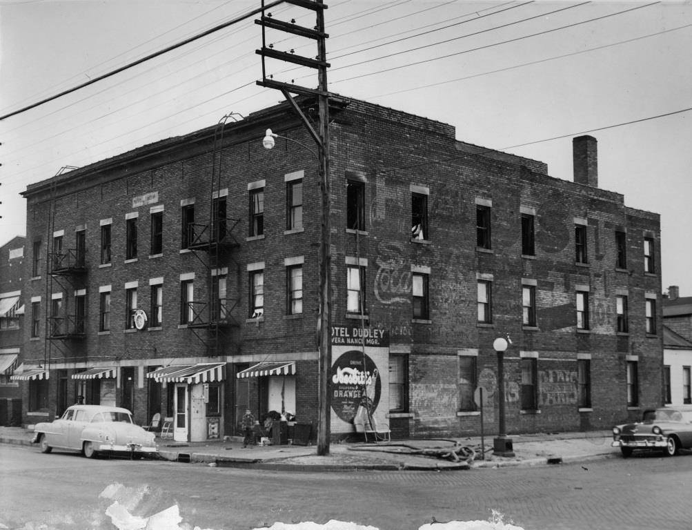 The burnt-out and closed Dudley Hotel, 11th and Adams streets, in the late 1950s (Sangamon Valley Collection)
