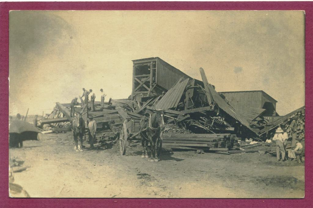 "Workers clear damage at Auburn's Solomon mine in 1911. (Postcard image courtesy John ""J.T. "" Taylor)"