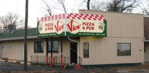 The closed Vic's Pizza, 2017 (SCHS photo)