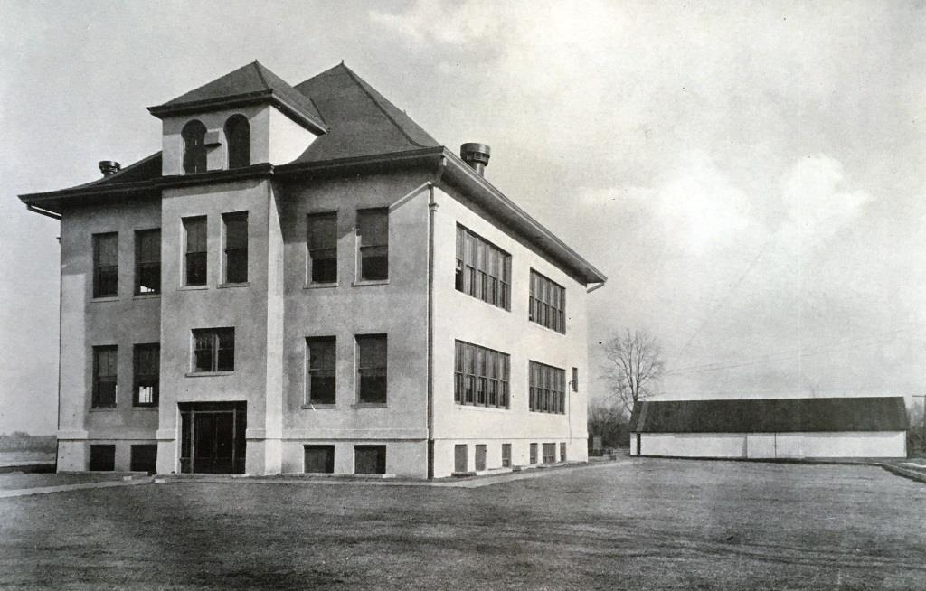 """Pleasant Plains Township High School, circa 1924. Built in 1916, the school reportedly was in the """"Old Sangamon College"""" architectural style. (The Anchor, PPTHS yearbook, for 1926)"""