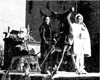 Santa Claus rides in state n 1938 (SJR)