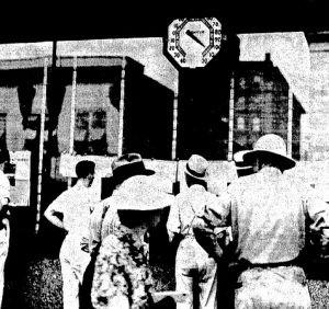 Thermometer outside the Illinois State Journal office, 316 S. Sixth St., shows nearly 110 degrees the afternoon of July 14, 1936 (Courtesy State Journal-Register)