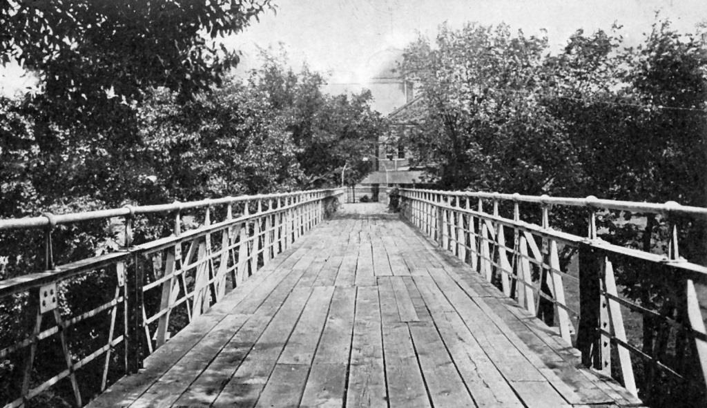 The Haskell Viaduct, heading toward Exposition Building (undated photo, Sangamon Valley Collection)